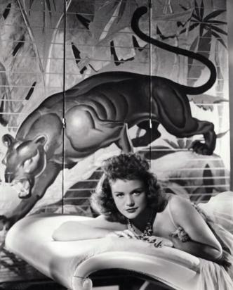 cat-people-1942-simone-simon-promo-shot